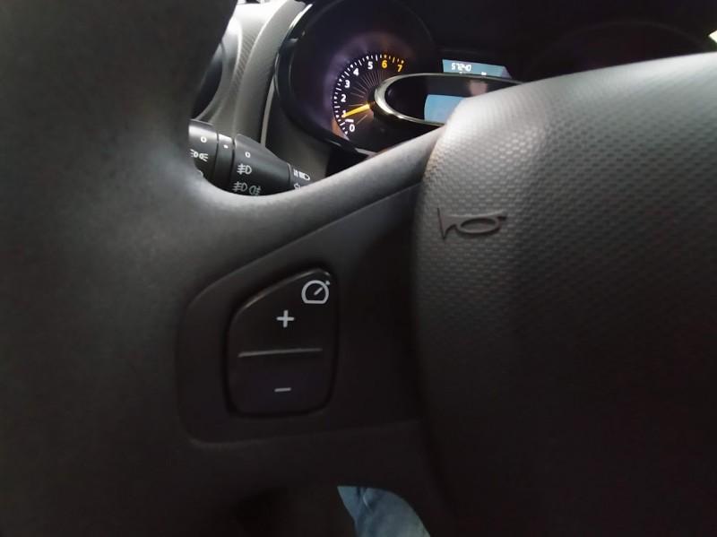 RENAULT Clio Authentique 1.2 16v 75Cv Aire acondicionado