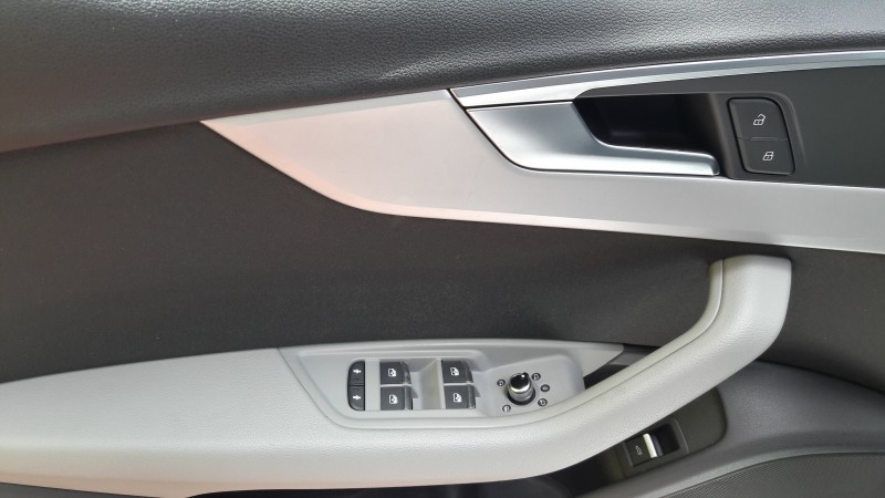 AUDI A4 AVANT 2.0TDI 150CV S-LINE BUSINESS. XENON.
