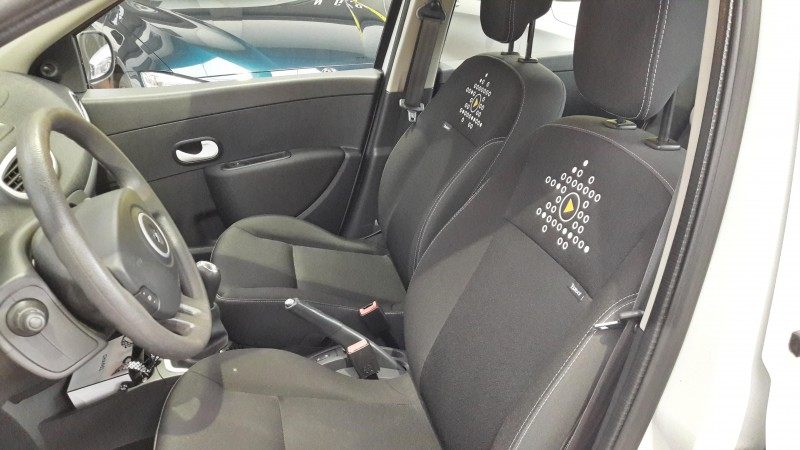 RENAULT CLIO 75CV DIESEL AIRE ACONDICIONADO
