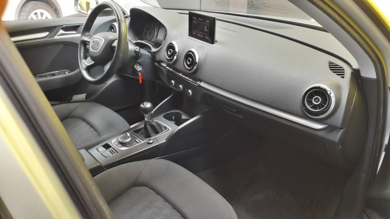 AUDI A3 Sportback 2.0Tdi 150 Cv 6 Velocidades Navegador